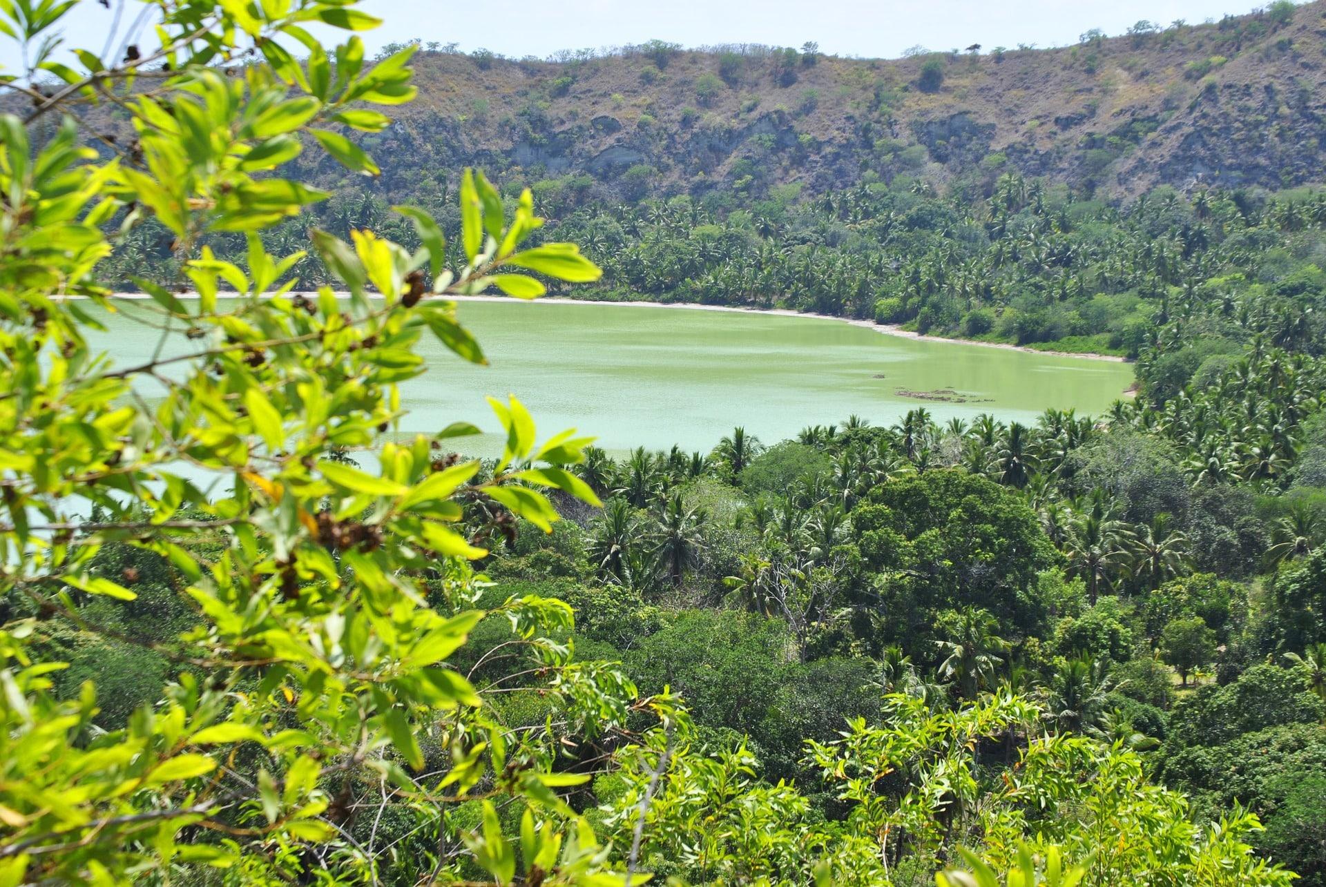 Lac Dziani Mayotte - Déménagement militaire et particuliers - Aux Déménageurs Méditerranéens